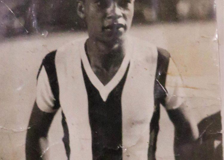 Durante su carrera como futbolista, Leyva cumplió con uno de sus grandes sueños, jugar en Alianza Lima, el equipo del que es hincha.