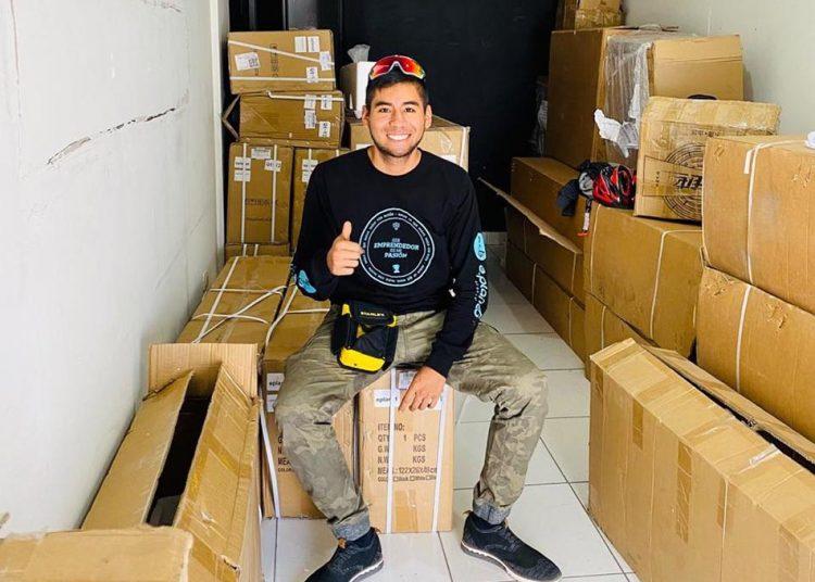 Sergio Ojeda empezó su negocio, luego de usar un buen tiempo un scooter para poder llegar a tiempo a su trabajo.