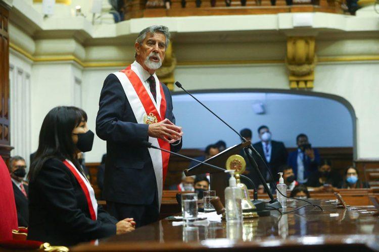Sagasti juró como presidente del país y dirigió un mensaje reconciliador a todos los peruanos.