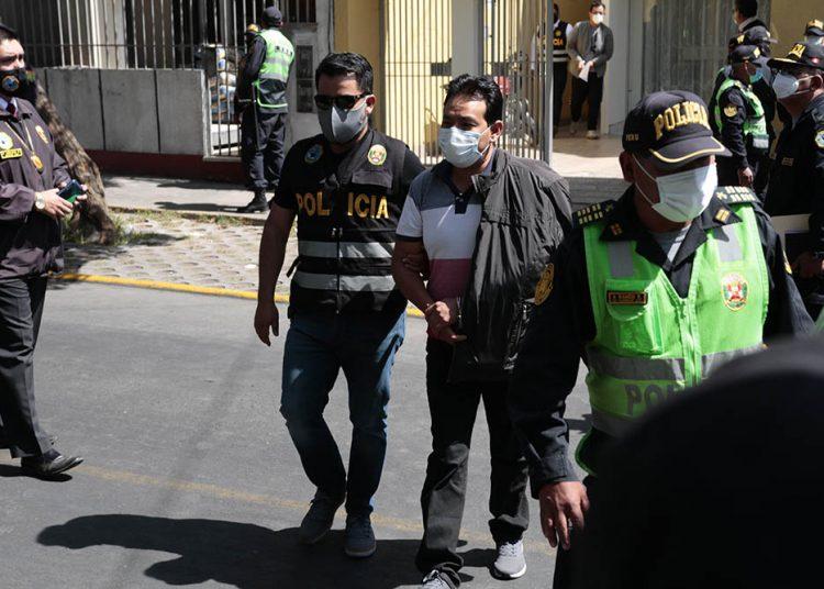 Un pool de fiscales y efectivos policiales intervinieron a 22 personas.