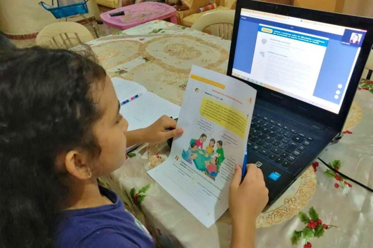 La educación a distancia continuará en Arequipa, Camaná e Islay.