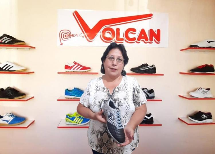 Pese a la crisis sanitaria y económica, Doña Domitila mantiene con optimismo el legado de su esposo.