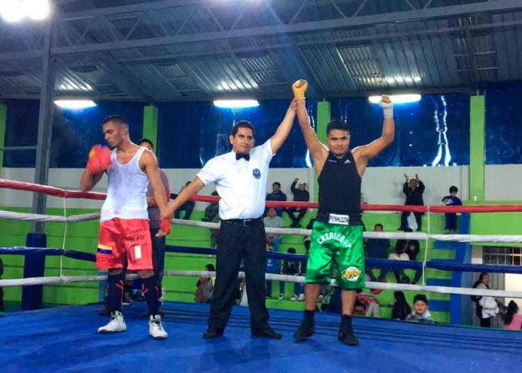 Un luchador. Juan Carlos sigue boxeando como amateur, en eventos al sur del país.