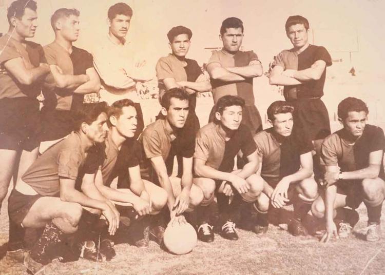 Eduardo 'Patato' Márquez, defendió la camiseta rojinegra en la década de 1960 y 1970, fue goleador del equipo y consiguió el ascenso a la primera división.