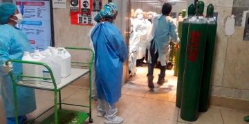El hospital Honorio Delgado funciona al límite de su capacidad.