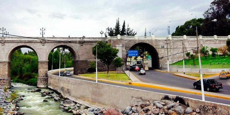 ¿En qué estado se encuentran los puentes de la ciudad?, urge una evaluación técnica para determinar sus condiciones de funcionamiento.