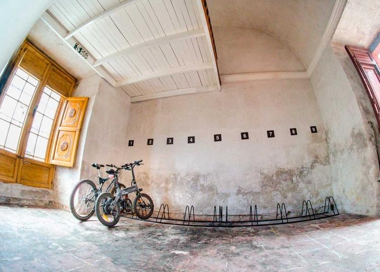 En su local del centro histórico, cuentan con parqueo para bicicletas.