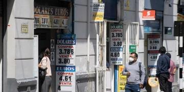 El precio de inmuebles, vehículos y electrodomésticos se incrementaría en 10% por alza del dólar.