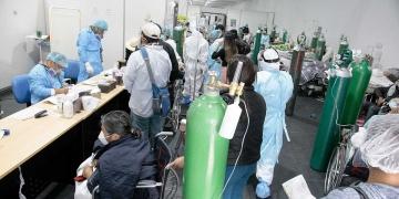 Más de 130 personas esperan ser hospitalizadas en el Honorio Delgado.