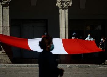 Los peruanos debemos construir una identidad fuerte y madura, revalorando todo lo que nos une como colectivo para afrontar futuros desafíos.