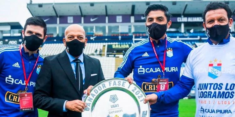 El trabajo de Bustamante en Sporting Cristal, es fundamental para el éxito del equipo celeste.