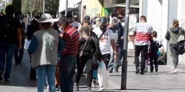 Gerencia de Salud desmiente a ministro Ugarte y confirma la tendencia a la baja de casos COVID-19 en la región.