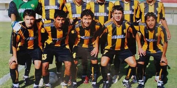 Luego de una larga trayectoria en el fútbol macho, Roldan se retiró en 2008 con la camiseta del FBC Aurora.