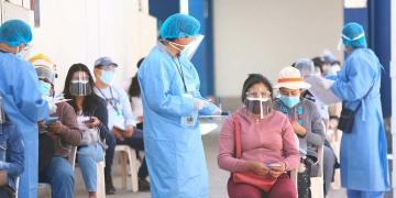 Buena noticia. Distritos de la región poco a poco alcanzan metas de vacunación.