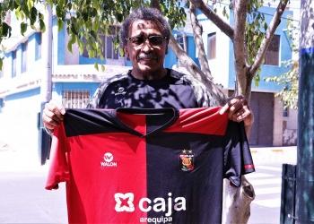 El exfutbolista es hincha del FBC Melgar, pero lamentó que la actual administración se haya olvidado de los campeones del 81.