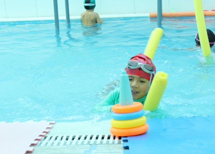Niños independientes. La natación infantil aumenta el control y la autoestima.