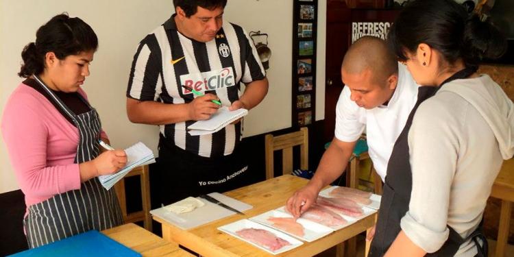 Giancarlo también enseña gastronomía en el Instituto del Sur.