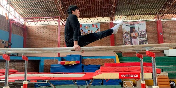 A pesar de la falta de apoyo de las autoridades, Arequipa siempre destacó por tener grandes gimnastas a nivel nacional e internacional.