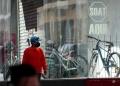 Además de las diferentes tiendas locales, el comercio electrónico es otra opción para adquirir una bicicleta.