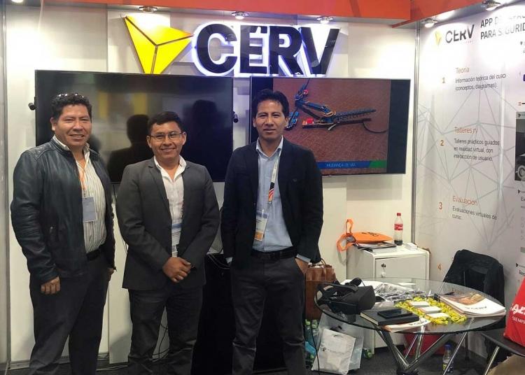 Roy Guzmán y su equipo, son los pioneros de la realidad virtual en el país.