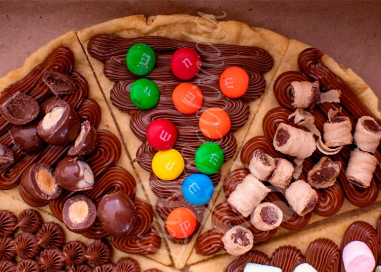 Ravel es la galleta más grande y colorida.